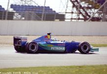 Sauber 2001 Hiedfeld (test driver) at speed Silverstone test